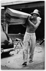バルサ材を運ぶホビー・アルター